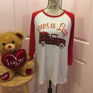 """LOADS OF LOVE"" T-shirt! NEW!"